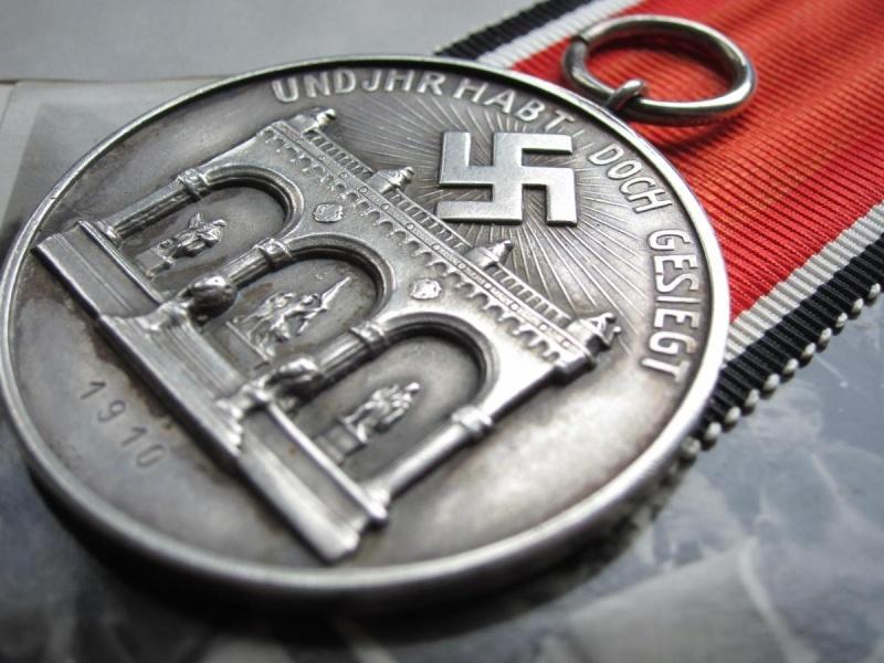 Identification et avis sur 2 médailles Sans_t11