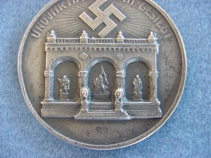 Identification et avis sur 2 médailles Sans_t12