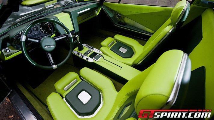 bizzarerie BMW 8-bord10
