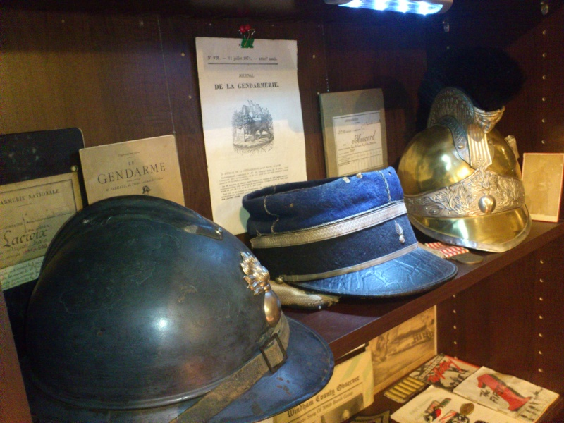 ma collection à thème gendarmerie Dsc_1160