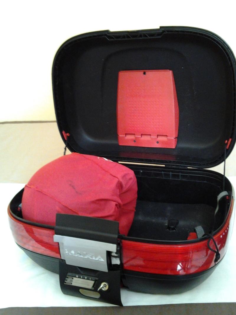 Baul Givi Maxia 52 Litros y anclaje para V-Strom 650 20121211