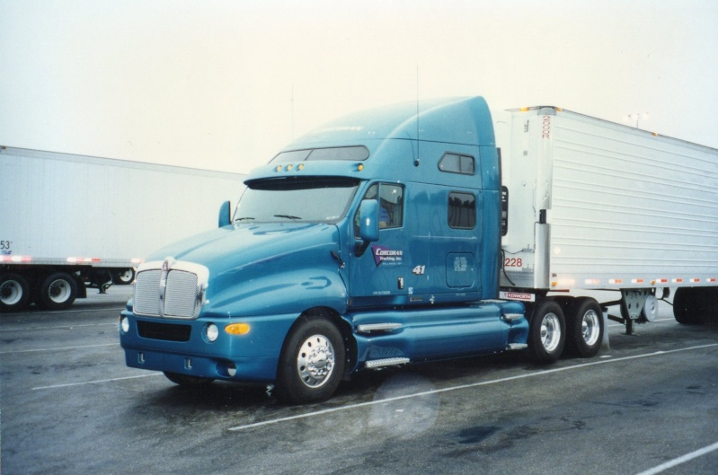 Kenworth (cabine a capot) Img02910