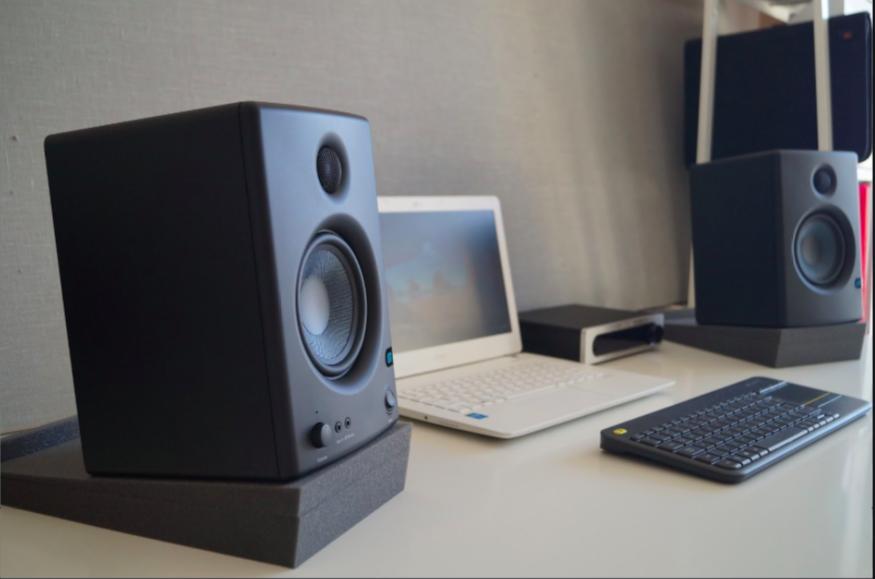 monitor audio ascolto ravvicinato Scherm68