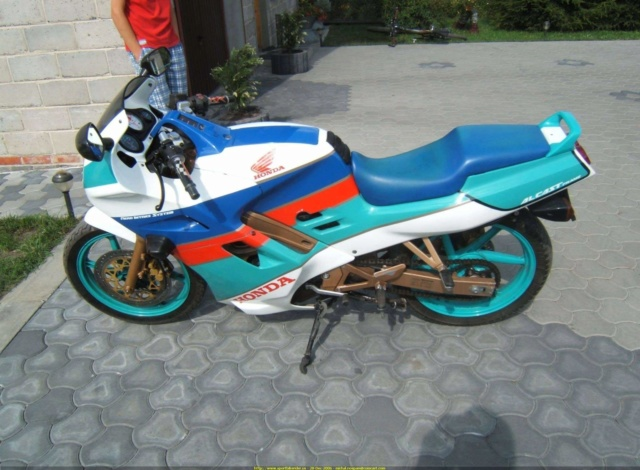 L'histoire de la NSR 125 Honda, ses types, couleurs etc... 20061211