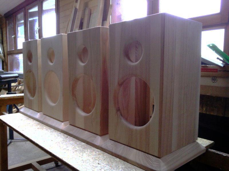 réalisation quatre enceinte en frêne massif    - Page 3 Img_2010