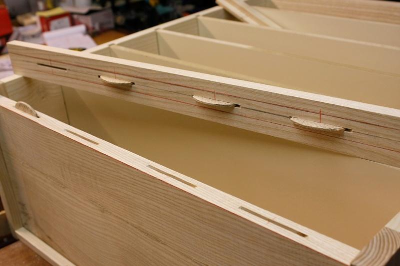 [Fabrication] Un bureau contemporain et simple…  - Page 3 Plinth10