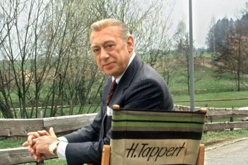 Horst Tappert - исполнитель роли Деррика Tapper11