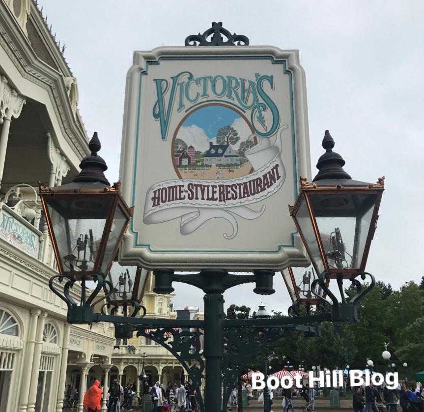 Connaissez vous bien Disneyland Paris? - Page 12 Victor10