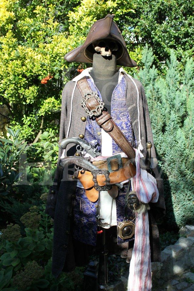 [Costumes] Capitaine Jack Sparrow & Angélica 30844810