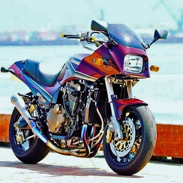 Kawasaki GPZ-R 900 et 750, 1000 RX, ZX 10 TOMCAT - Page 9 40337110