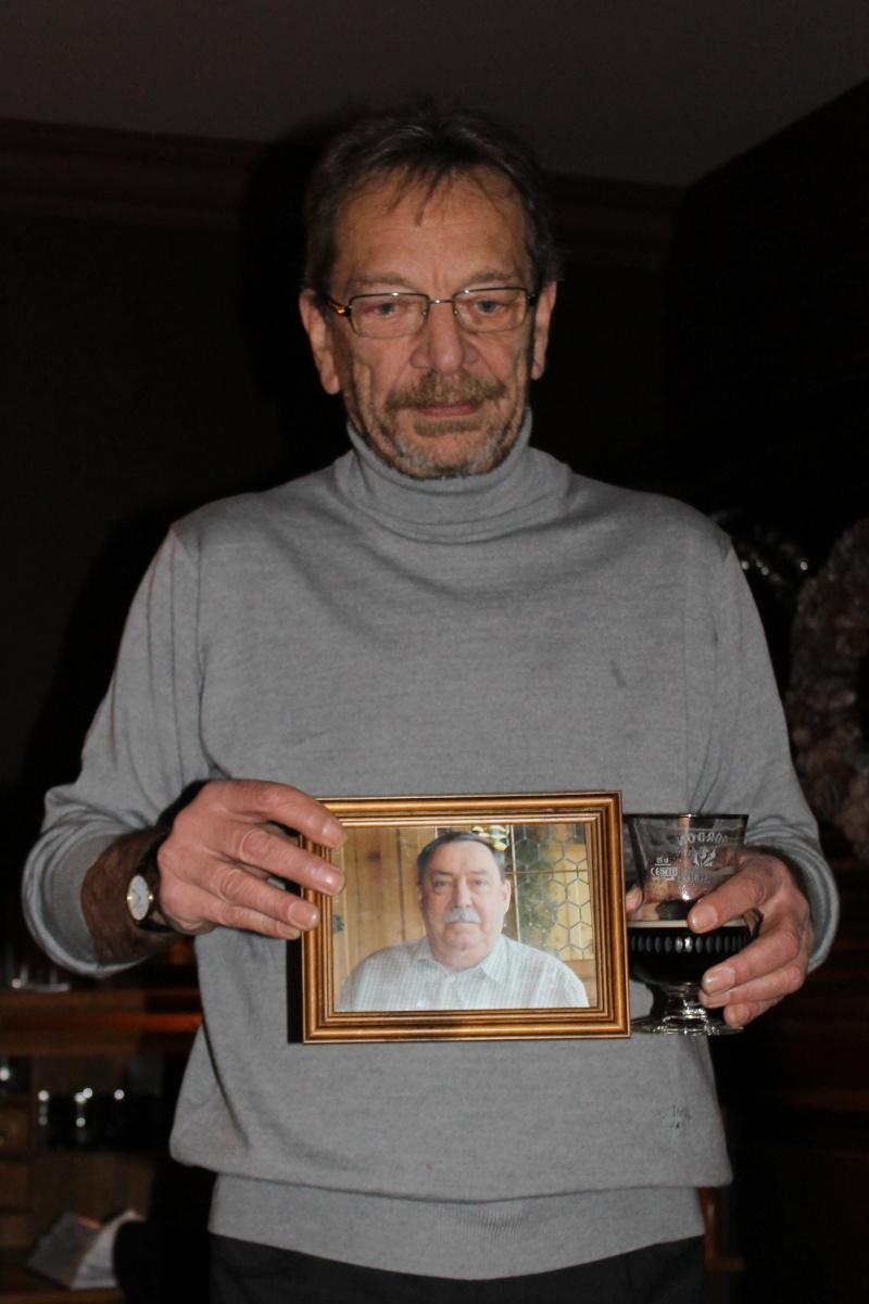 réunion à saint-georges aprés l'enterrement de jean Jean_t11