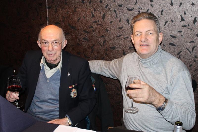 réunion à saint-georges aprés l'enterrement de jean Jean_t16