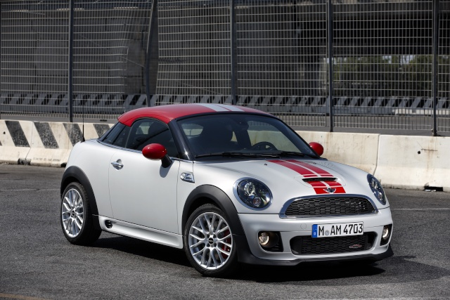 """""""The Best Cars of 2013"""": The MINI wins again – this time with family for company on the podium P9007610"""