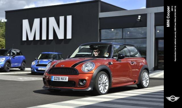 """""""The Best Cars of 2013"""": The MINI wins again – this time with family for company on the podium P9008110"""