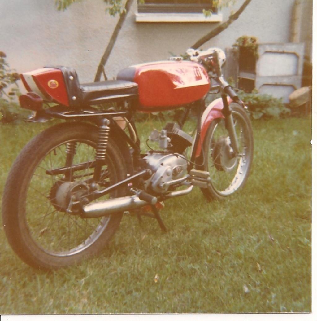 PHOTOS - Nostalgie.Vos premiers 2 roues  et 4 roues Cim_1612