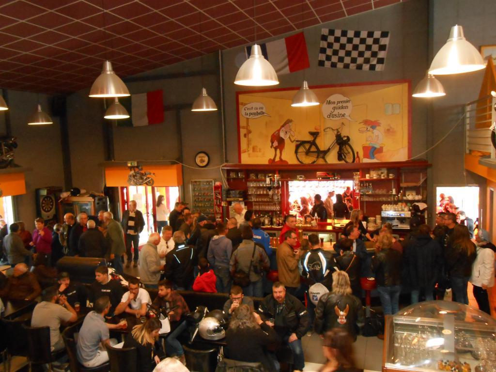 PHOTOS - rencontre au légend café(st léger sous cholet 49) Dscn0082