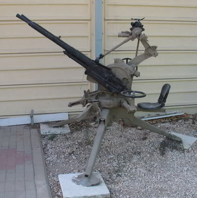Bộ sưu tập vũ khí của VN trong 2 cuộc kháng chiến Hotchk11