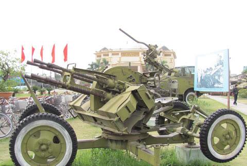 Bộ sưu tập vũ khí của VN trong 2 cuộc kháng chiến - Page 4 Khcn_l13