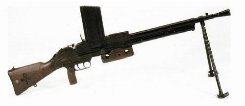 Bộ sưu tập vũ khí của VN trong 2 cuộc kháng chiến Mac19210