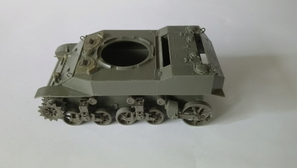 "M5A1 ""Colmar"" - 1/35 kit AFV Club Dsc_1010"
