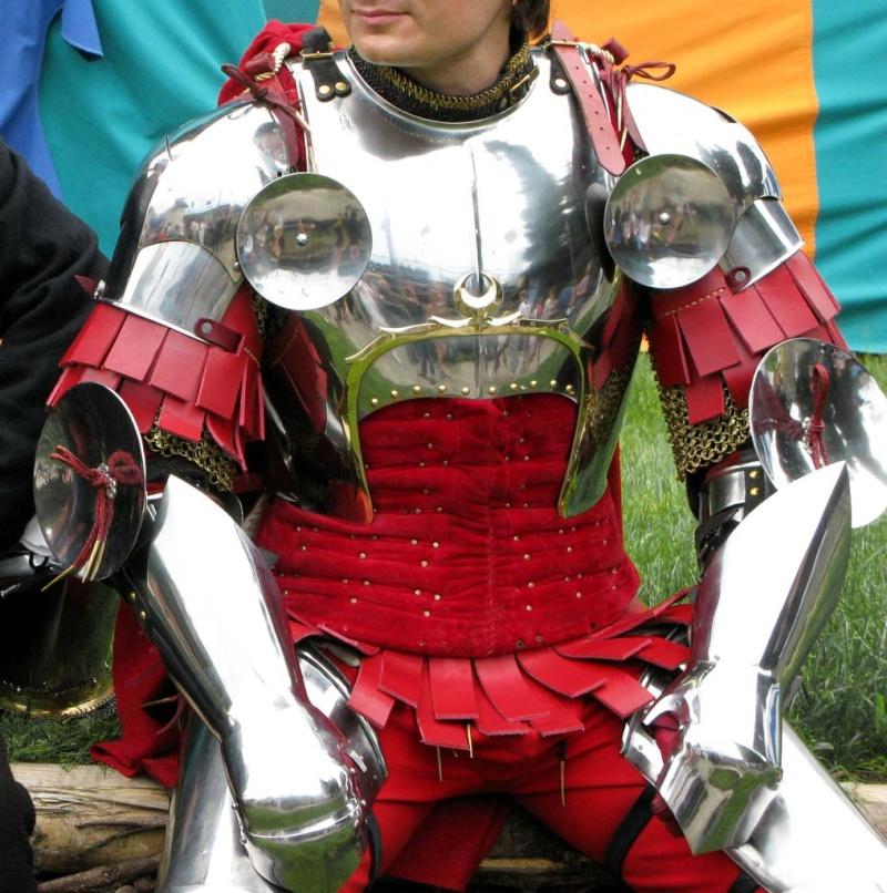 Costume et vos envies !! :) Heroic10