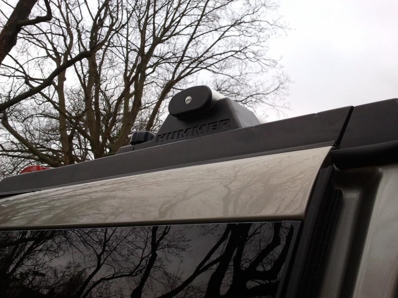 Recherche demi-barre de toit en plastique noir arrière droite du passager Hummer H2 SUV 2005  2012-114