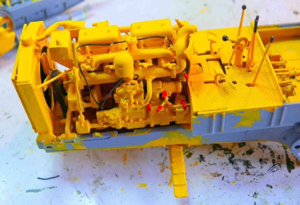 US Bulldozer Caterpillar D7 (en version civile)au 1/35 de MiniArt Bulld107