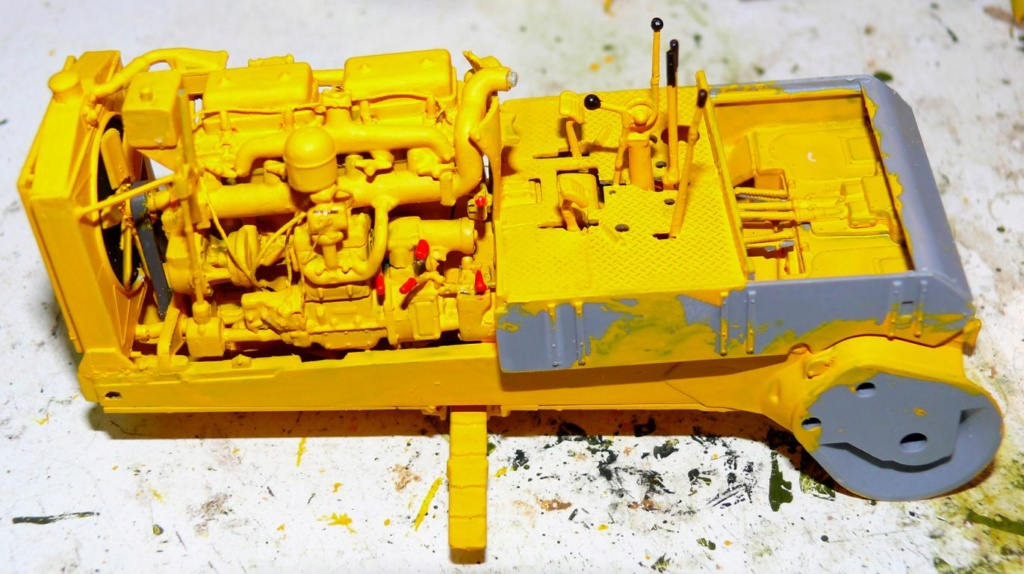 US Bulldozer Caterpillar D7 (en version civile)au 1/35 de MiniArt Bulld117