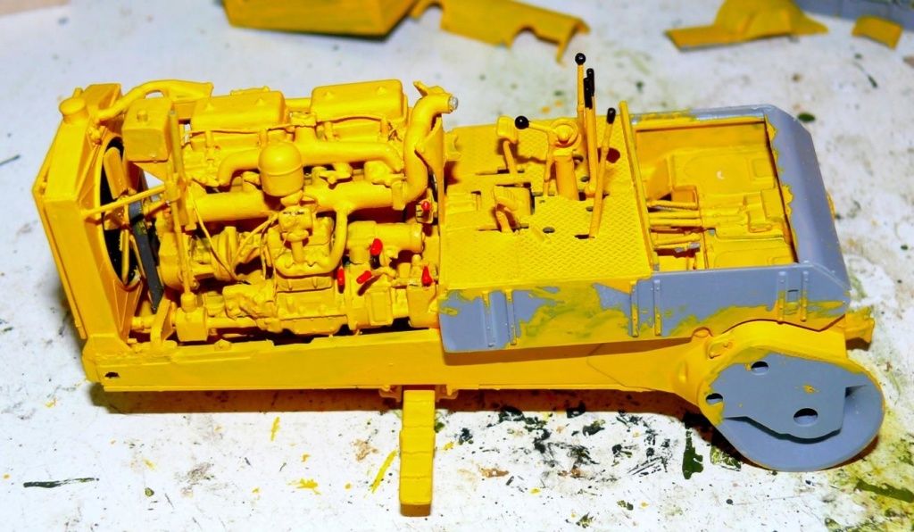 US Bulldozer Caterpillar D7 (en version civile)au 1/35 de MiniArt Bulld119