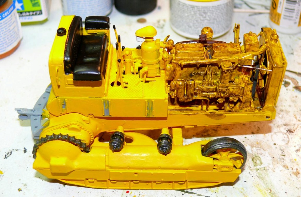 US Bulldozer Caterpillar D7 (en version civile)au 1/35 de MiniArt Bulld129