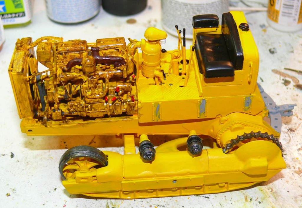 US Bulldozer Caterpillar D7 (en version civile)au 1/35 de MiniArt Bulld130
