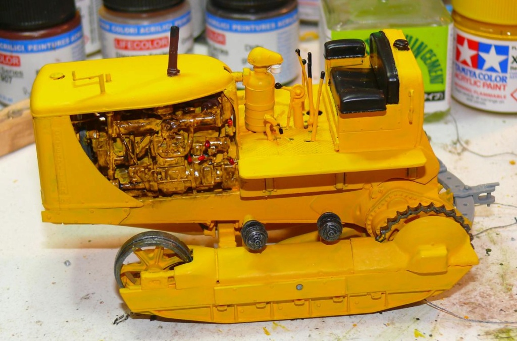 US Bulldozer Caterpillar D7 (en version civile)au 1/35 de MiniArt Bulld133