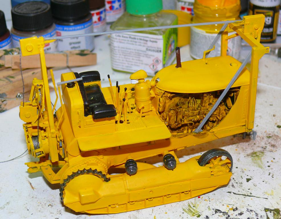 US Bulldozer Caterpillar D7 (en version civile)au 1/35 de MiniArt Bulld150