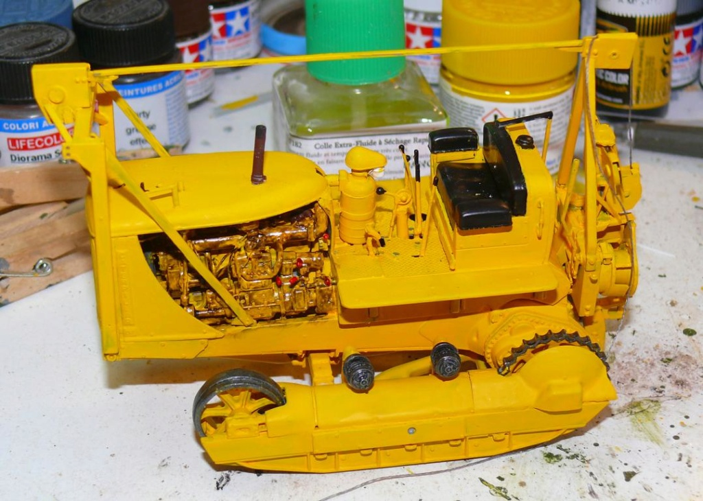 US Bulldozer Caterpillar D7 (en version civile)au 1/35 de MiniArt Bulld154