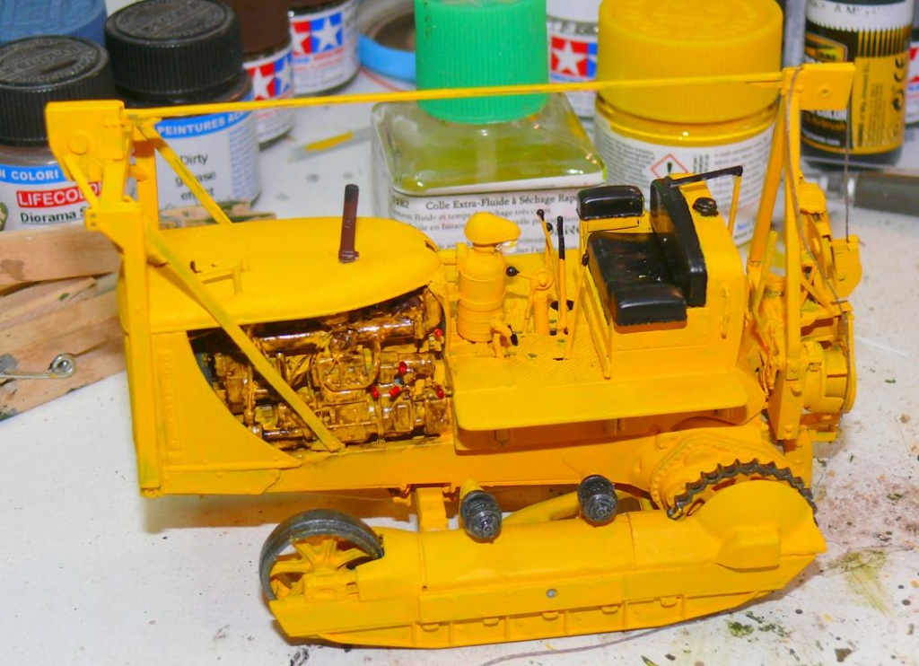 US Bulldozer Caterpillar D7 (en version civile)au 1/35 de MiniArt Bulld155