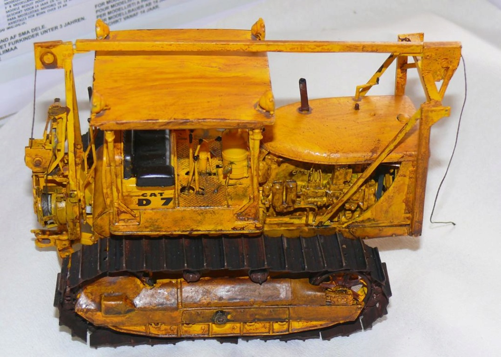 US Bulldozer Caterpillar D7 (en version civile)au 1/35 de MiniArt - Page 3 Bulld215