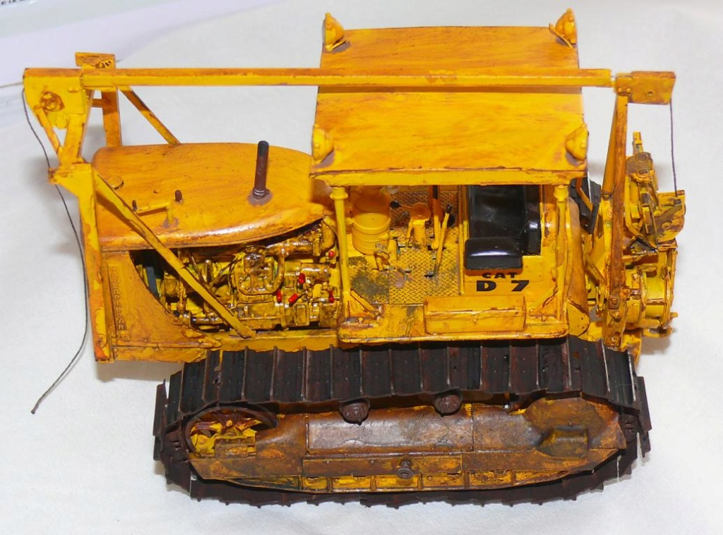 US Bulldozer Caterpillar D7 (en version civile)au 1/35 de MiniArt - Page 3 Bulld216