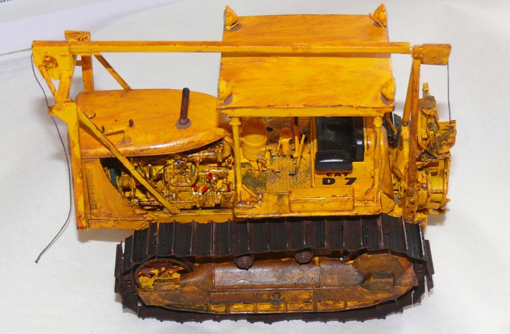 US Bulldozer Caterpillar D7 (en version civile)au 1/35 de MiniArt - Page 3 Bulld217
