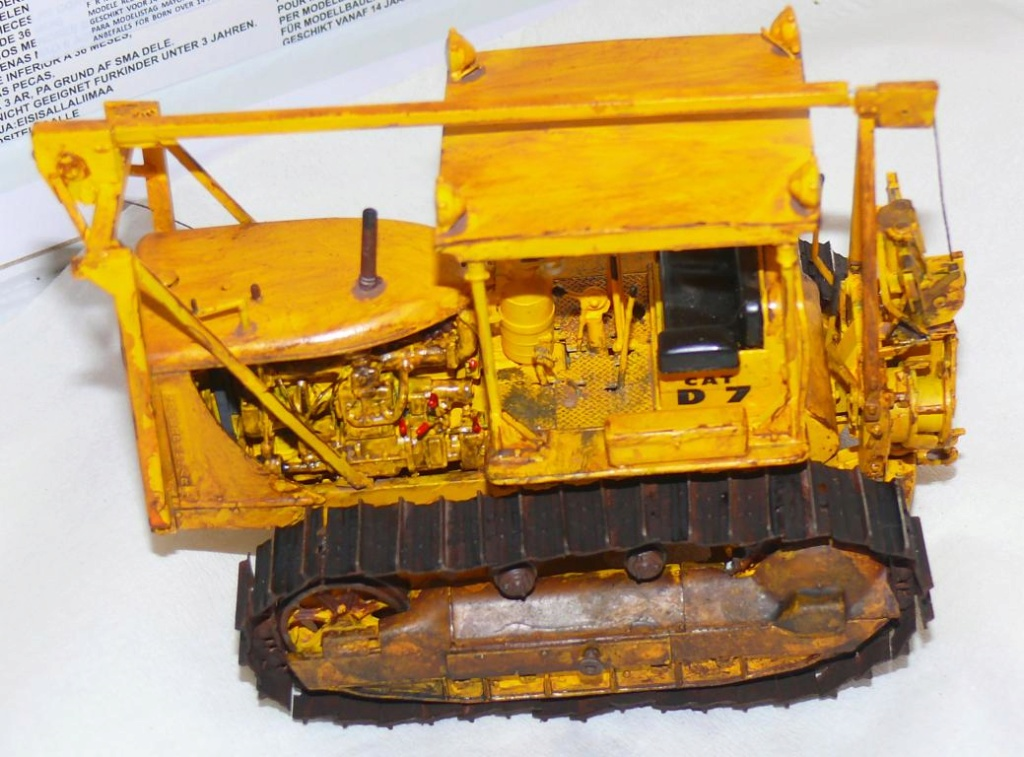 US Bulldozer Caterpillar D7 (en version civile)au 1/35 de MiniArt - Page 3 Bulld222