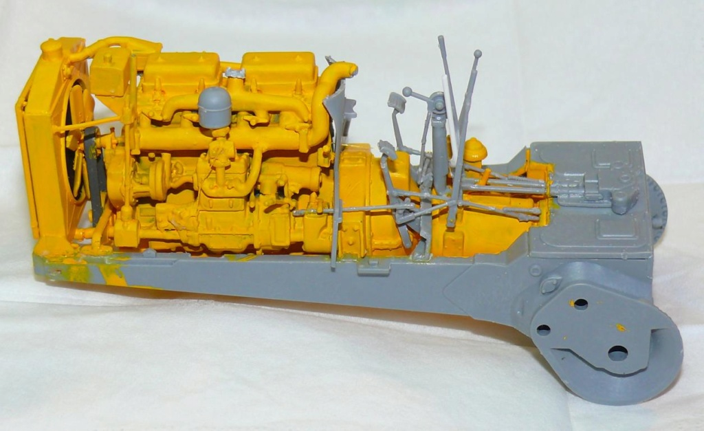 US Bulldozer Caterpillar D7 (en version civile)au 1/35 de MiniArt Bulldo68