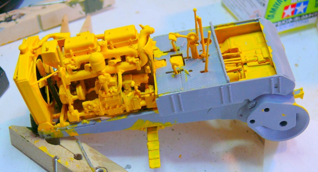 US Bulldozer Caterpillar D7 (en version civile)au 1/35 de MiniArt Bulldo73