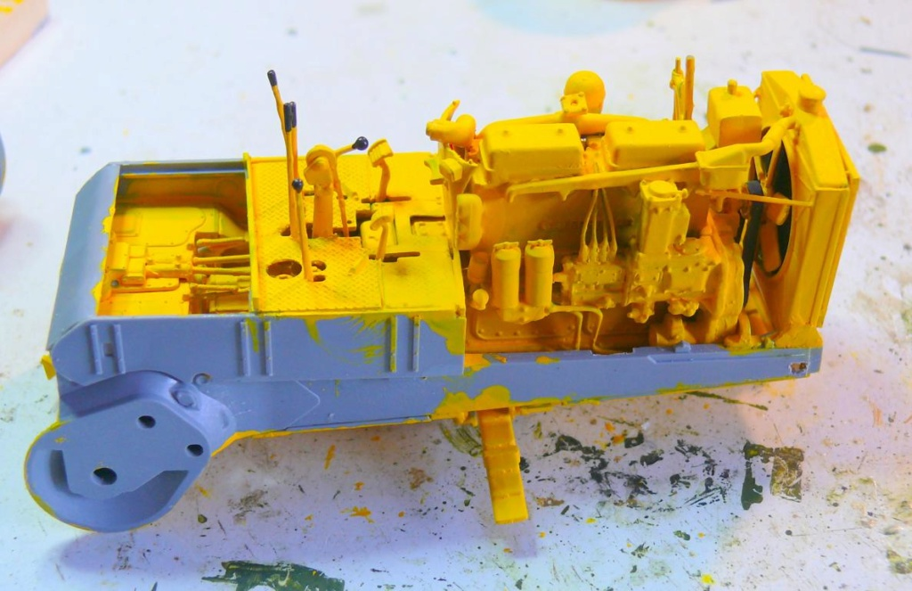 US Bulldozer Caterpillar D7 (en version civile)au 1/35 de MiniArt Bulldo76