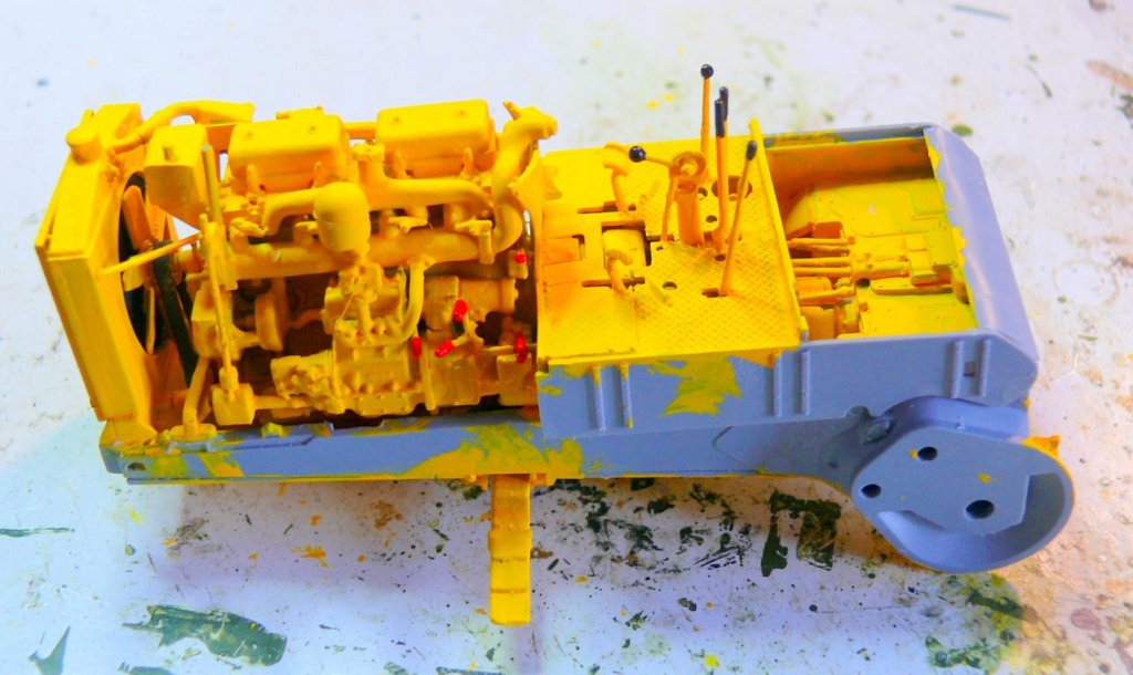 US Bulldozer Caterpillar D7 (en version civile)au 1/35 de MiniArt Bulldo77