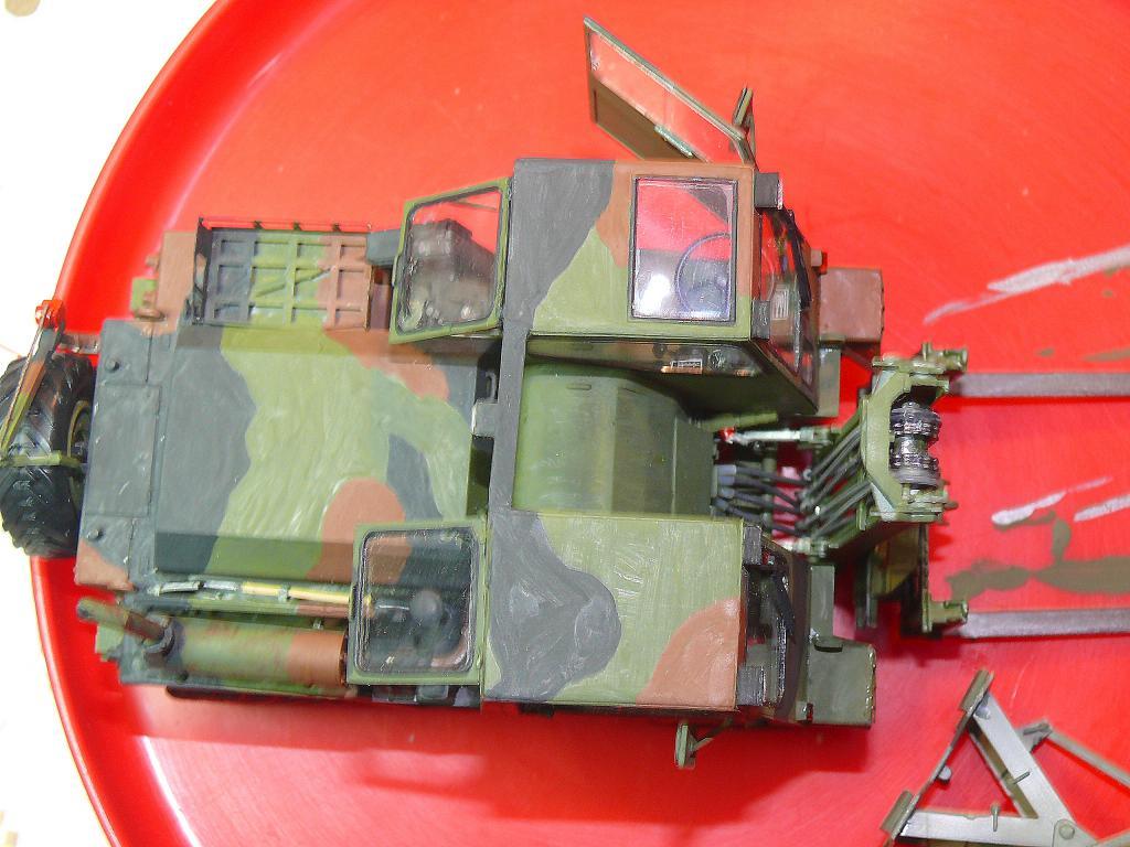 Chariot élévateur Bundeswehr FELDUMSCHLAGGERAT FUG 2,2T de TAKOM au 1/35 ème - Page 2 Chario69