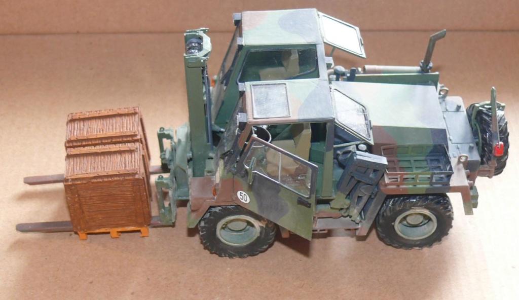 Chariot élévateur Bundeswehr FELDUMSCHLAGGERAT FUG 2,2T de TAKOM au 1/35 ème - Page 2 Chario71