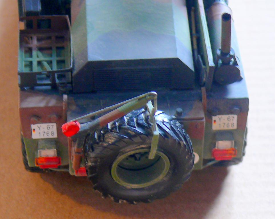 Chariot élévateur Bundeswehr FELDUMSCHLAGGERAT FUG 2,2T de TAKOM au 1/35 ème - Page 2 Chario74