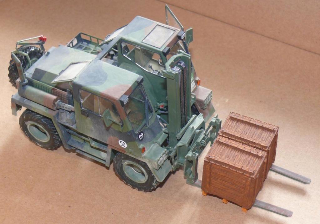 Chariot élévateur Bundeswehr FELDUMSCHLAGGERAT FUG 2,2T de TAKOM au 1/35 ème - Page 2 Chario76