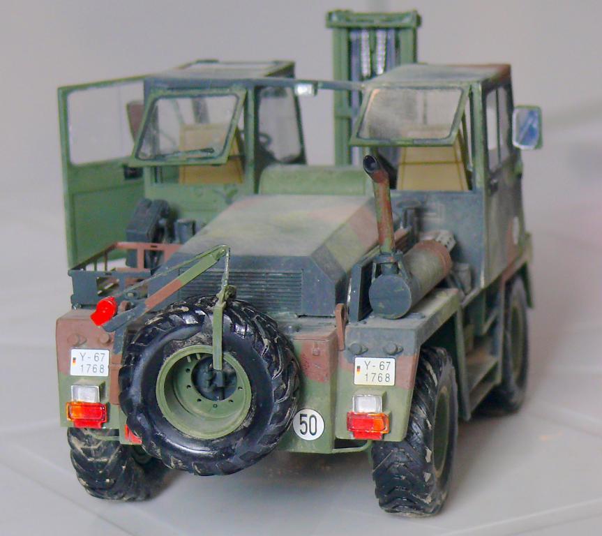 Chariot élévateur Bundeswehr FELDUMSCHLAGGERAT FUG 2,2T de TAKOM au 1/35 ème - Page 2 Chario80