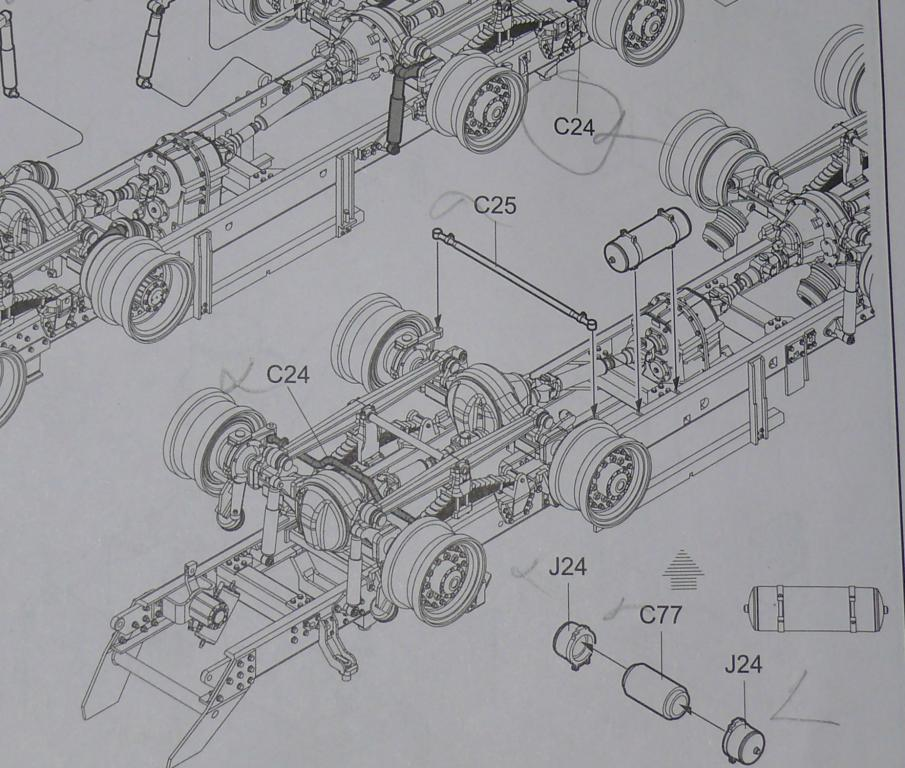 HEMTT M983A2 et Semi remorque M870A1 de TRUMPETER au 1/35 Hemtt206
