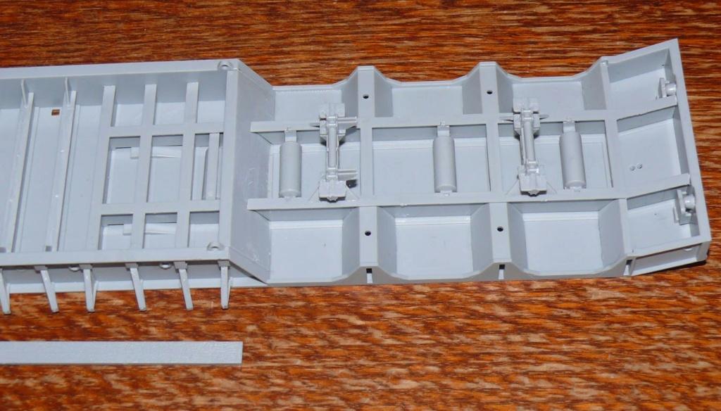 HEMTT M983A2 et Semi remorque M870A1 de TRUMPETER au 1/35 - Page 2 Hemtt350